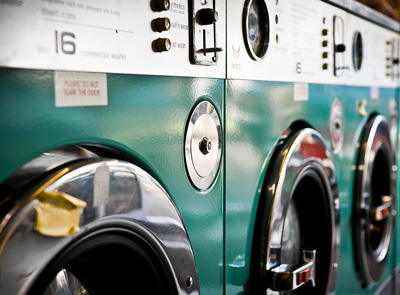Des machines à laver pour les vêtements de travail
