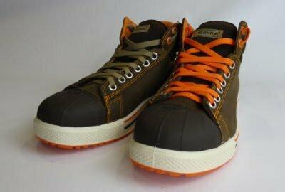 Chaussures de sécurité Conférence fabriquées par Cofra avec deux lacets