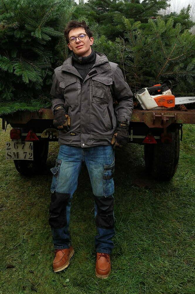 Jean avec ses vêtements de travail suédois