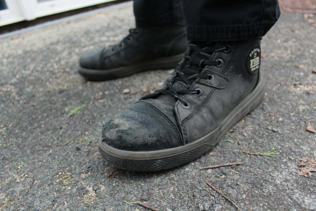 Détail du cuir des chaussures de sécurité Linus