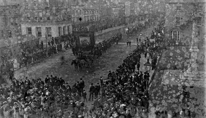 photo d epoque de la premiere parade de la st patrick en irlande en 1905