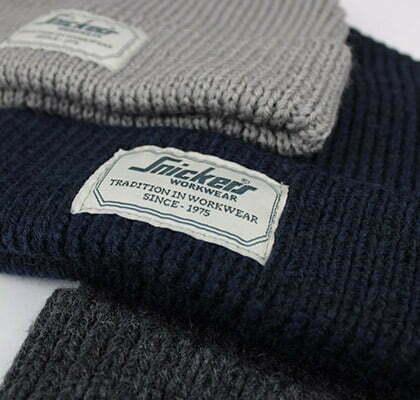 bonnet snickers pour accompagner un pantalon de travail pour l hiver par kraft workwear